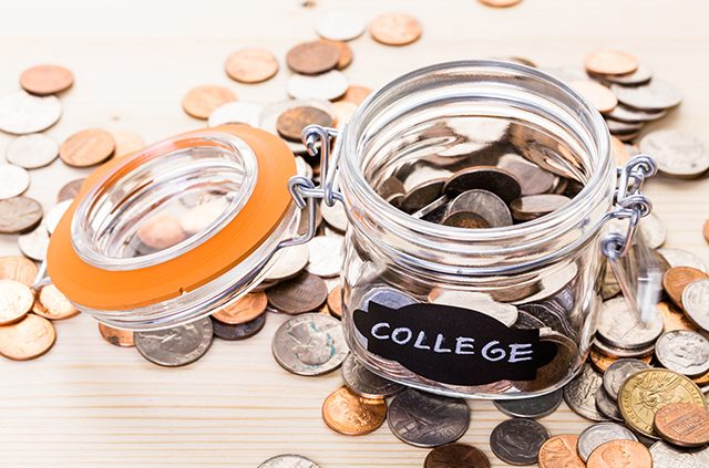 The 10 Dos and Dont's to Saving Money in College
